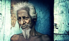 Thick Skinned. (sammsky) Tags: poverty portrait india beard skin elderly bombay mumbai oap dharavi