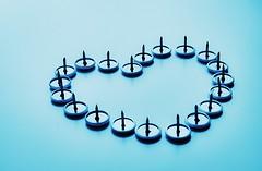 "Love Hurts ! (Nico De Muyt | Photography) Tags: theperksofbeingawallflower stephenchbosky nikond3200 nikon nicodemuyt lovehurts love heart liefde hart pijn pain hurt blue duimspijker thumbnail project365 365 project nikkor amore amour emmawatson blauw punaise wilrijk belgië vlaanderen bleu hartzeer ""nikonflickraward"""