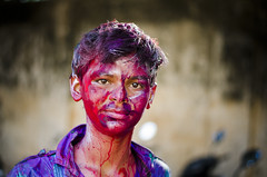 Holi Face (Ragavendran / Rags) Tags: colours smiles splash chennai holi happyface cwc splashofcolours coloursofindia riotofcolours sowcarpet chennaiweekendclickers ragavendran