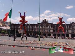 Tradicional Quema de Judas 2013 (06-11) (jarsphe) Tags: santa mexicana easter gloria holy mexicanos week sabado judas semana toluca artesanos artesano quema cartoneria