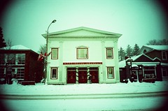Niagara-On-The-Lake (Jim Davies) Tags: travel canada building film xpro crossprocessed experimental boots alt wideangle slide r1 vignetting e6 ricoh immeuble niagaraonthelake vignettes veebotique