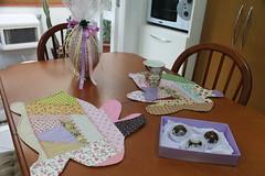 Jogo americano coelhos (ceciliamezzomo) Tags: bunny crazy place stitch handmade patchwork pas coelho jogo stitchery mats americano bordado eas coelhinho retalhos tecidinhos