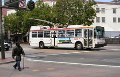 Market Street at South Van Ness Avenue, San Francisco (Lady Wulfrun) Tags: sf sanfrancisco road crossing trolley transport line muni transit roads marketstreet trolleybus eti noleftturn 5433 trolleybuses southvannessavenue