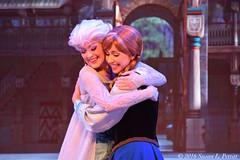 Frozen Sing Along (Susan L Pettitt Photography) Tags: frozen elsa anna disney disneyshollywoodstudios mgm waltdisneyworld letitgo