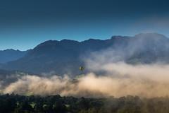take off (jan.scho) Tags: alpen ballon morgen himmel sonnenaufgang berge wolen nebel