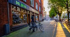 DSCF9721.jpg (amsfrank) Tags: fietsenwinkel rivierenbuurt beyk uiterwaardenstraat drbeyk candid amsterdam bikeshop