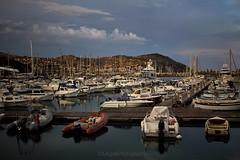 [ il molo nel tardo pomeriggio ]  Porto Maurizio-Imperia (magdaebasta) Tags: portoallimbrunire vacanze estate imbarcazioni barche molo portoturistico portomaurizio imperia liguria
