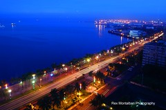 manila bay in the blue hour (Rex Montalban Photography) Tags: rexmontalbanphotography philippines manila roxasblvd manilabay bluehour lightstreaks