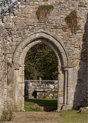 Bayham Abbey 22 (mini-b) Tags: bayhamabbey ruins englishheritage 13th15thcentury frant eastsussex canon eos5dmkii ef28300mm3556lisusm 2016