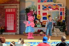 Sesame Place - Magic of Art (wallyg) Tags: abbycadabby amusementpark buckscounty langhorne magicofart sesameplace sesameplaceneighborhoodtheater pennsylvania themepark show sesamestreet themagicofart