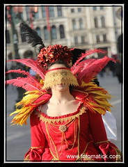2013 up to date-Venice-Carnival-Masks-by Hans MatickIMG_3931 (hansmatick.de) Tags: costumes test playing by angel flying words flirt hans masks fantasy only without rialto piazzasanmarco granteatro eys canon60d canon40d venezianischerkarneval liveincolour goprotest hero3blackedition venicecarnival2013 secretsinvenice viviicoloriliveincolour matickphotograher fotomatickcom
