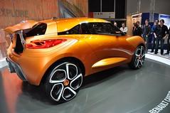 Renault Captor (Starcadet) Tags: auto red up smart vw volkswagen mercedes frankfurt citroen beetle rover bull renault land audi hyundai mitsubishi bentley ausstellung iaa peugot infiniti maybach automobil