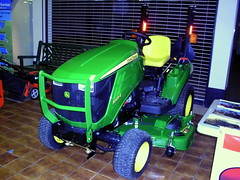 John Deere 1023E Compact Tractor. (dccradio) Tags: wisconsin mall farming equipment machinery ag agriculture wi agricultural farmequipment farmshow marshfield farmmachinery centralwisconsin shoppesatwoodridge marshfieldmall wisconsinfarming machineryshow agshowagricultureshow