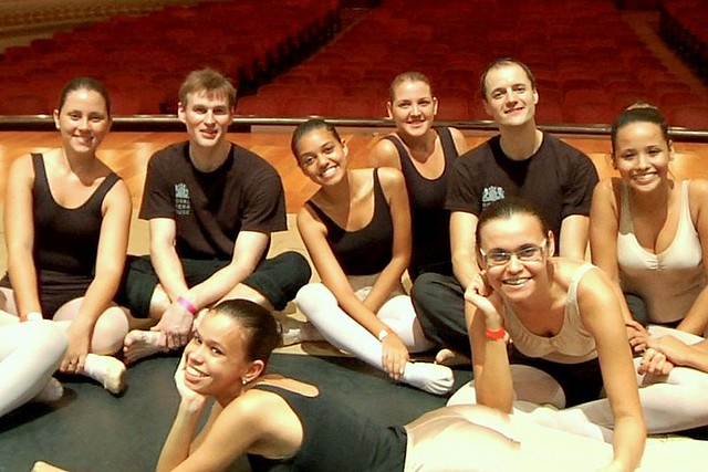 Workshop participants and staff from The Royal Opera House at Rio's Theatro Municipal © Luiz Guilherme Guerreiro, 2013
