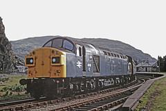 40126 at Blaenau Ffestiniog on Kodachrome (Polyrus) Tags: britishrail blaenauffestiniog class40 40126 d326