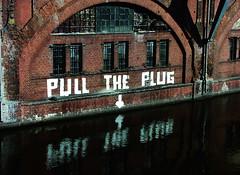 pull the plug (lunaryuna) Tags: bridge urban reflection berlin brick river graffiti urbandecay sbahn spree lunaryuna jannowitzbruecke pulltheplug urbanwit preaiseandcurseofthecity