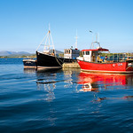 "Roundstone Harbour <a style=""margin-left:10px; font-size:0.8em;"" href=""http://www.flickr.com/photos/89335711@N00/8595178067/"" target=""_blank"">@flickr</a>"