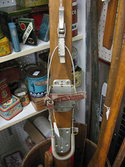 Kandahar binding (i). (MTBradley) Tags: history sports sport ma skiing technology cable antiques skis kandahar route7 wintersports bindings greatfinds