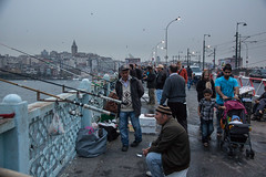 Galata-Gewusel (grapfapan) Tags: street people urban turkey dusk istanbul bluehour galatatower galatakprs galatabrcke