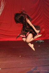 A Poesia do Movimento (Marcelo Seixas) Tags: show light portrait people ballet woman art love students girl beautiful muscles canon wow photography gold star photo dance ballerina bravo perfect arte dancing artistic action danza mulher young surreal best class professional boa linda tanz balance performace lovely tones dana aura moderno poise aluna jovem per