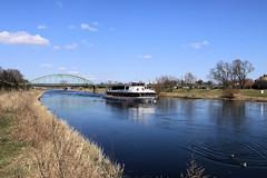 Weser bei Minden (Stefan_68) Tags: bridge river germany deutschland ship nrw weser brcke minden schiff nordrheinwestfalen eisenbahnbrcke northrhinewestphalia flus