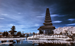 Ulundanu Bratan Temple in IR (eggysayoga) Tags: bali lake indonesia landscape temple nikon soft hard tokina filter lee nd graduated bratan beratan gnd ulundanu 1116mm d7000