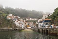 Cae la niebla (luisetegt) Tags: puerto cudillero niebla asturias pueblopesquero