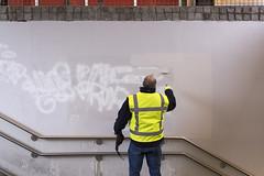 (Arthur van Beveren) Tags: money holland netherlands station graffiti town utrecht arm nederland bank cleaning winkel paysbas crisis argent stad verf niederlande centraal geld rabo schoonmaak shoppen winkelcentrum rabobank paisesbajos verven hoog rijk hollanda tegenstelling 2013 paesibassi euroland catherijne