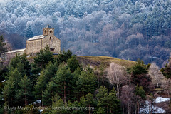 Andorra churches & chapels: Anyos, La Massana, Vall nord (lutzmeyer) Tags: pictures old winter history church nature architecture rural landscape march arquitectura dorf village photos roman religion natur pueblo iglesia kirche chapel natura paisaje images oldhouse fotos marc architektur tele invierno landschaft marzo oben chapelle mrz historia andorra oldhouses bilder pyrenees romanico pirineos pirineus architectura paisatge pyrenen kapelle capilla historisch capella imatges hivern rurallife poble 12thcentury esglesia vallnord romanesquearchitecture anyos religiousbuilding historiccentre historischeszentrum romanischearchitektur dorfkern esglesiasantcristofoldanyos lamassanaparroquia lutzmeyer lutzlutzmeyercom religiosarquitectura