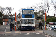 Old Friend in Farnborough (Moving Britain) Tags: farnborough 16468 stagecoacheastmidlands s168ret stagecoacgsouth