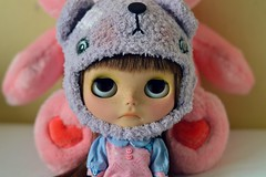 Birthday baby (georgiapeach) Tags: bear hat star dress helmet tan dancer sd blythe cheer care custom shaz rbl iskah creayations
