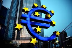 sterndefekt (mrs.flax) Tags: europa europe euro frankfurt bank  ezb zentralbank
