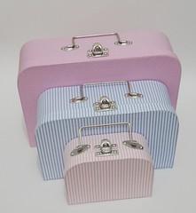 Trio de maletas (Ana Paula Louvem - Atelier Doce Sabor) Tags: maleta lembrancinha frasqueira lancheira maletaforradaemtecido