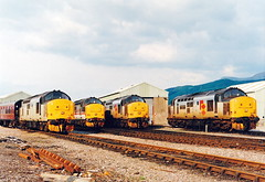 37404-37251-37401-37423 at fort william (47604) Tags: diesel depot fortwilliam whl englishelectric westhighlandline class37 37401 37423 37251 37404
