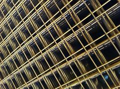Gullgrid -|- Golden grid (erlingsi) Tags: abstract lines grid golden pattern iphone mnster erlingsi gyllen