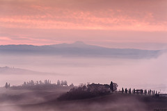 Tuscany morning#10 (Corsaro078) Tags: morning sun mist fog alba hills tuscany toscana nebbia cretesenesi sunruse