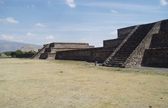 Avenue of the Dead, Teotihuacan (Aidan McRae Thomson) Tags: mexico ancient ruins pyramid teotihuacan quetzelcoatl