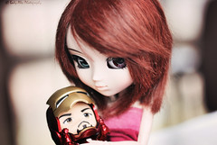 Lettel Iron Man (Lady Alec) Tags: man happy iron doll leah it tony figure pullip hugs about nendoroid
