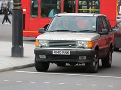 Range Rover (kenjonbro) Tags: uk england london westminster 4x4 cream trafalgarsquare suv rangerover charingcross sw1 worldcars kenjonbro canoneos5dmkiii r140rnk