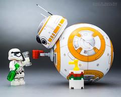 BB-8 : A Toast to the Weekend! (Randy Santa-Ana) Tags: bb8 starwars spherobb8 sphero lego legostarwars legominifigures legostormtroopers tgif
