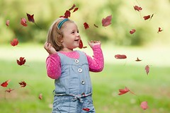 Leaves (foto.evines) Tags: evinesfoto leaves child kid fun play childhood childphoto autumn evinesczautumn