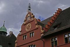 Freiburg Altstadt (PTR Images) Tags: eingang portal freiburg schwarzwald tr kanaldeckel tren wassermann breisgau eingnge haustren