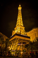 Eiffel Tour (KyllerCG) Tags: amricadonorte estadosunidosdaamrica lasvegas nevada northamerica paradisecity sincity usa lights night noite