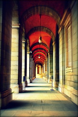 The Royal Palace of Madrid (`Hanna) Tags: madrid red art architecture canon de real spain allrightsreserved royalpalace palacio the palcio thebestofday gnneniyisi eosrebelt3i alejandraesanz