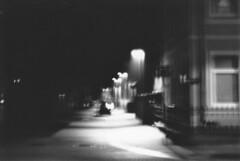 Hazy (noosh fotos) Tags: street blackandwhite night corner de lampe blurry nikon nacht laterne developed ilford celle nachts nikonf70 niedersachsen ilfordfp4plus noosh schwarzweis strase entwickelt strasenecke spielstrase