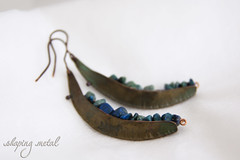 O9 (nadiag83) Tags: blue brown metal wire handmade blu foil pietre oxidation copper earrings forge shape jewels gem rame lamina patina filo marrone forma gioielli chrysocolla metallo wirewrapping orecchini fattoamano ossidazione forgiatura crisocolla foldforming shapingmetal