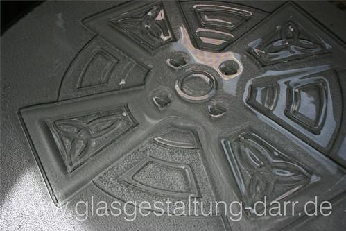 "Tischplatte ""Keltenkreuz"": Detail 1 • <a style=""font-size:0.8em;"" href=""http://www.flickr.com/photos/65488422@N04/8649137661/"" target=""_blank"">View on Flickr</a>"