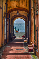 Alley to the sea, Varigotti (Explored #205 20/04/2013) (Tizi@no56 (painting with light)) Tags: windows sea sky house alley mare case sunshade bicycles deck cielo vicolo biciclette sdraio ombrellone d7100 nikond7100