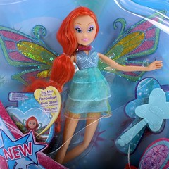 Bloom Enchantix Fairy in box (Fashion-Zambara) Tags: stella 3 club season toys flora doll power fairy bloom layla fe witty aisha saison poupe winx 2013 enchantix