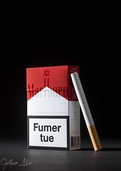 Cigarette (Aliice.Photography) Tags: studio object objet black white noir blanc light lightning softbox tabac cigarets cigarettes marlborro